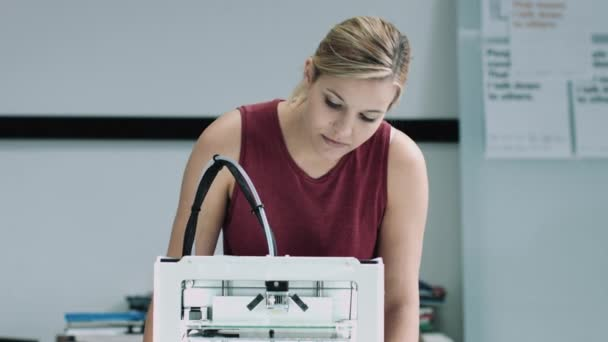 impresora mujer